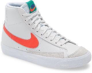 Nike Boy's Kids' Blazer Mid '77 Vintage Sneaker, Size 4 M - White